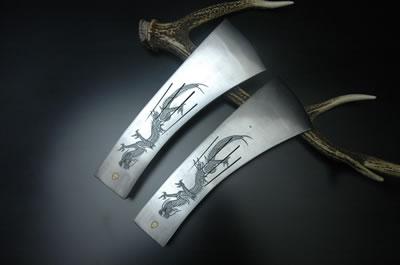 【完全予約注文】信州型根切斧【龍彫刻入/1300g】2本セット