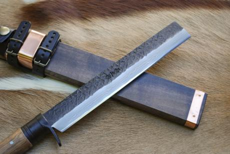 土佐山師鉈 210dm 両刃 黒槌 樫柄 木鞘皮バンド